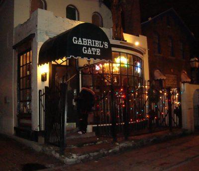 Chicken Wing Review/QB Comparison: Gabriel's Gate