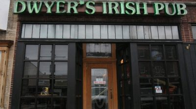 Chicken Wing Review/QB Comparison: Dwyer's Irish Pub