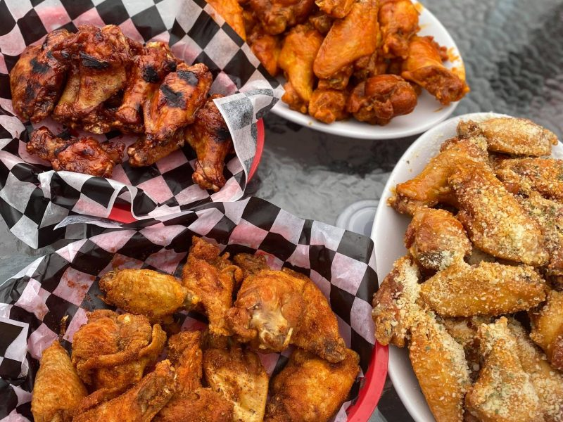 Wing Review: Hat Trix Sports Bar