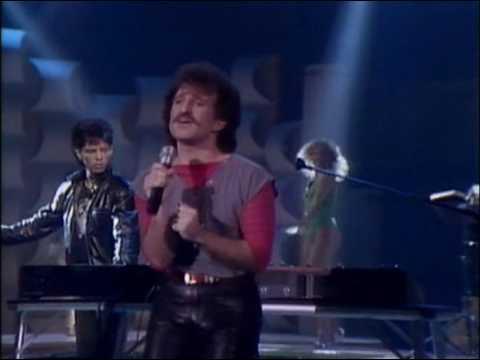 Favorite 100 Songs of the 80s: (#61) Matthew Wilder – Break My Stride