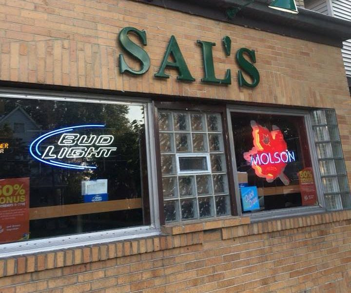 Chicken Wing Review/QB Comparison: Sal's Lounge In Depew