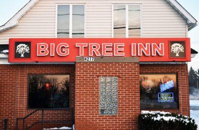 Chicken Wing Review/QB Comparison: Big Tree Inn
