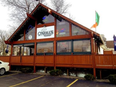 Chicken Wing Review/QB Comparison: O'Neill's Stadium Inn