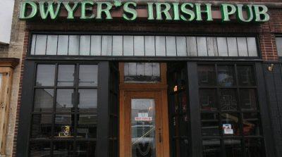 Chicken Wing Review/QB Comparison: Dwyer's Irish Pub
