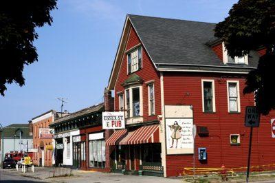 Chicken Wing Review/QB Comparison: Essex Street Pub