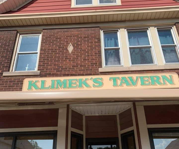 Chicken Wing Review/QB Comparison: Klimek's Tavern