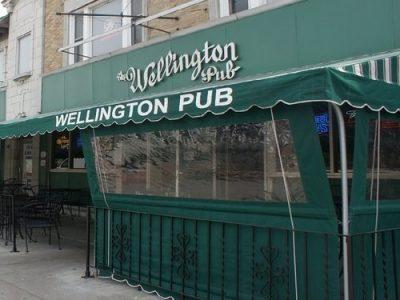 Chicken Wing Review/QB Comparison: The Wellington Pub