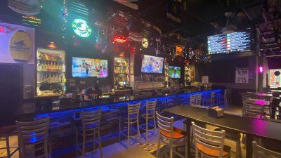 Chicken Wing Review/QB Comparison:  Sports City Pizza Pub